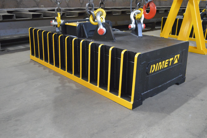 EMG SERIES = Rectangular lifting magnets for reloading of blooms, rails, forgings
